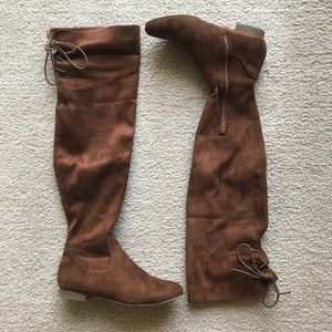 TOP Moda Shoes - Charlotte Russe Knee High Brown Boots - Size 7.5